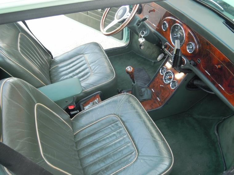 Vues sur l 39 int rieur noyer british green de la mini de m for Habillage interieur voiture