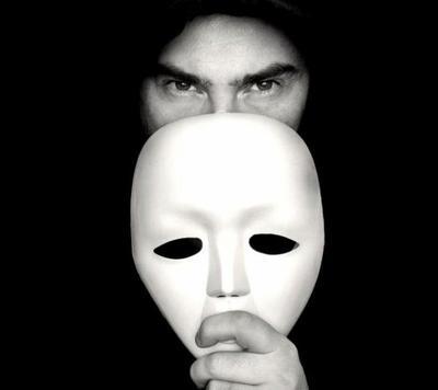 le contenu de ce qui est publié dans le virtuel de chacun des bloggeurs est le reflet inconditionel de son subconsient, si c'est beau et original alors l'esprit de cette personne est forcément beau de l'intérieur dans le réel et si c'est pervers et malsaint alors cette personne est nuisible, faites attention à ce que vous postez! l'état de l'esprit dans le virtuel et le réel sont identique.