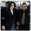 Le père de Jackson demande une pension sur l'héritage