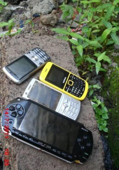 Mw   mon Frère et mon putain 2 téléphone...