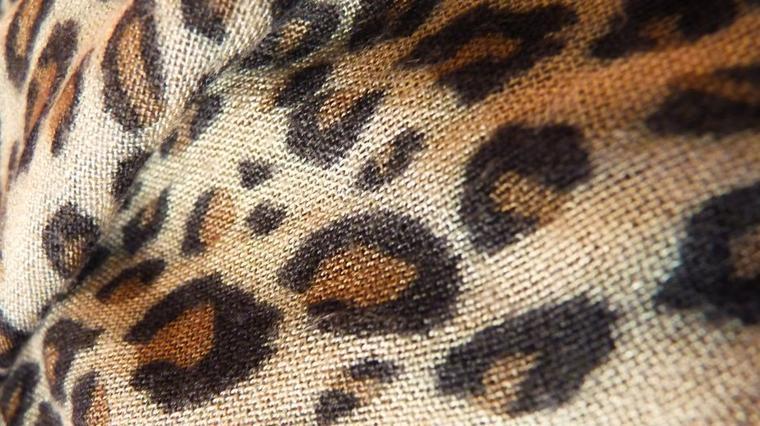 Foulard à motifs léopard