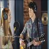 « Ancienne photo de Bridgit au côté de Nick Jonas ( dans la série JONAS ). »