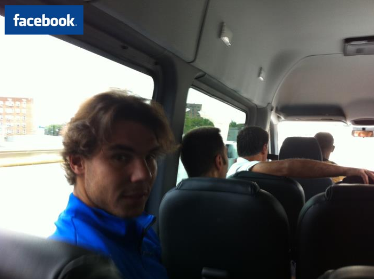 """08/09/11: """" Nous allons au club... On espère que la pluie va nous laisser jouer ! """""""