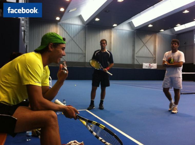 """24/09/11: """" Ces jours-ci je m'entraîne avec Arnau Brugues. Je me prépare pour la tournée asiatique ! """""""