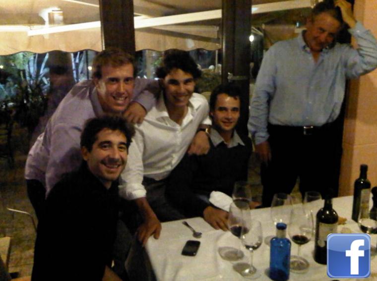"""29/10/11 : """" A la remise des prix du tournoi de golf. La fondation de mes amis a gagné! :)"""""""