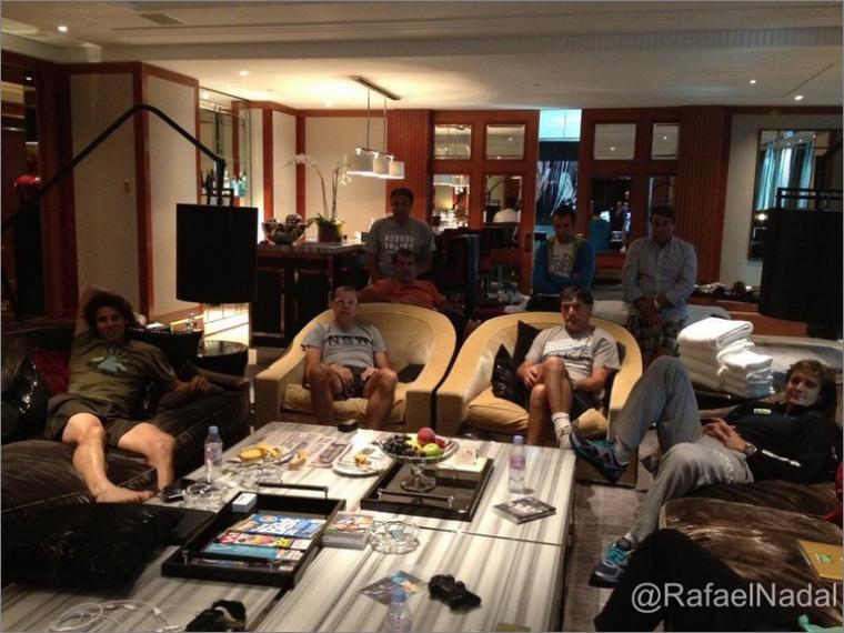 """19.01.12 : """" Aujourd'hui nous avons regardé Madrid-Barcelone ici à Melbourne. Heureusement que nous avons Internet !"""""""