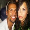 . « Dans l'avion direction le Mexique avec Vincent . Yay ! . » Photo prise et postée par Demi sur Twitter      .