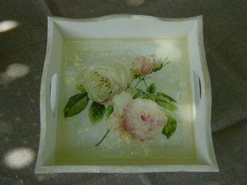 un petit plateau de  roses ...