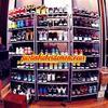 Rien que sur cette étagère, Justin à... 63 paires de chaussures !!