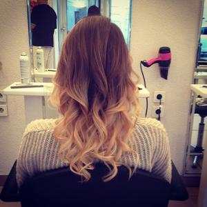 tie dye et dip dye le blog mode fille ado de mia ellena et jessica. Black Bedroom Furniture Sets. Home Design Ideas