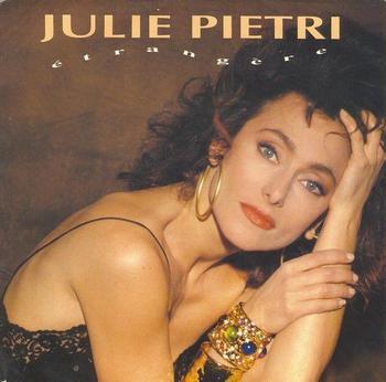 Les dossiers de l'ombre Julie Pietri - Etrangère (1990)
