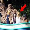 .  Brittany & Vanessa à Disney Land !   .