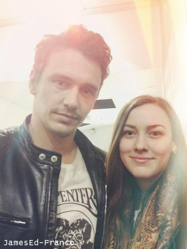 - - 28 Avril 2013 : James était au Festival du Film de Londres.    James était très simple mais bien vêtu.    - -