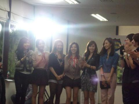 SOUTH KOREA ~Day 1 - Surprise meeting with girl's generation ♥