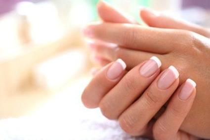 [CONSEIL n°2] 7 astuces pour fortifier ses ongles