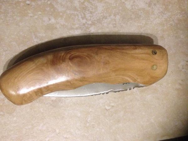 Couteau pliable en bois Olivier