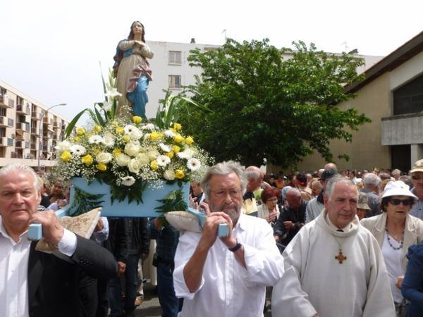 NÎMES  : Procession de Santa Cruz le 17 mai 2012