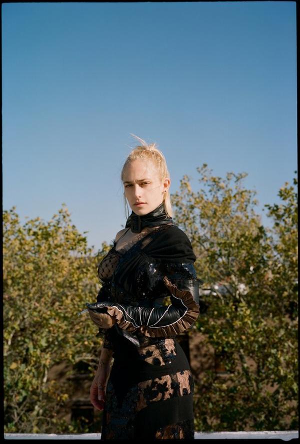 Jemima photographiée par son amie Katie Mccurdy pour Oyster Magazine