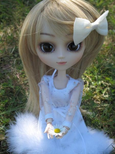 Tomochin, dans les fleurs~