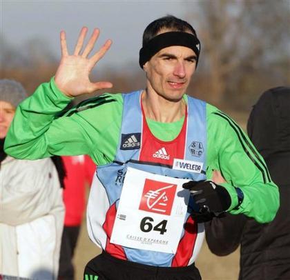 Championnat du Haut-Rhin de cross 2012: Un doigt pour chaque victoire, une main pour dire au revoir.