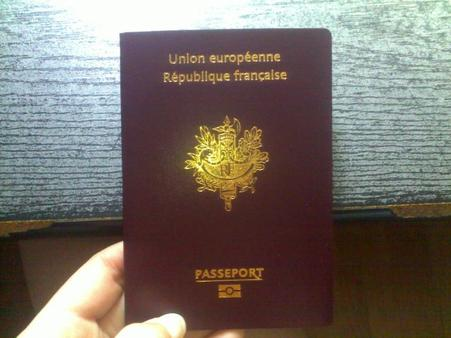 I've got the poooower !! En gros j'ai reçu mon passeport :)