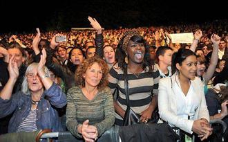 LEILA AND THE KOALAS au festival Quartiers d'Été  < Facebook | Youtube | Myspace | Twitter Fans | Noomiz | Forum >