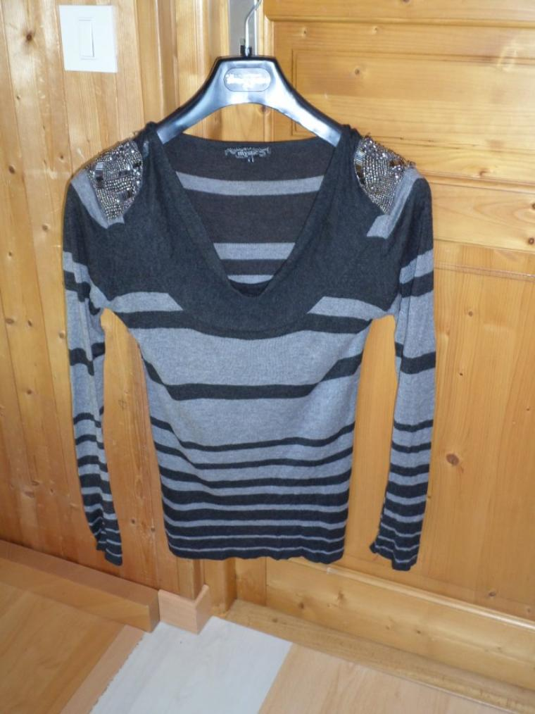 super beau pull taille S-M 10¤