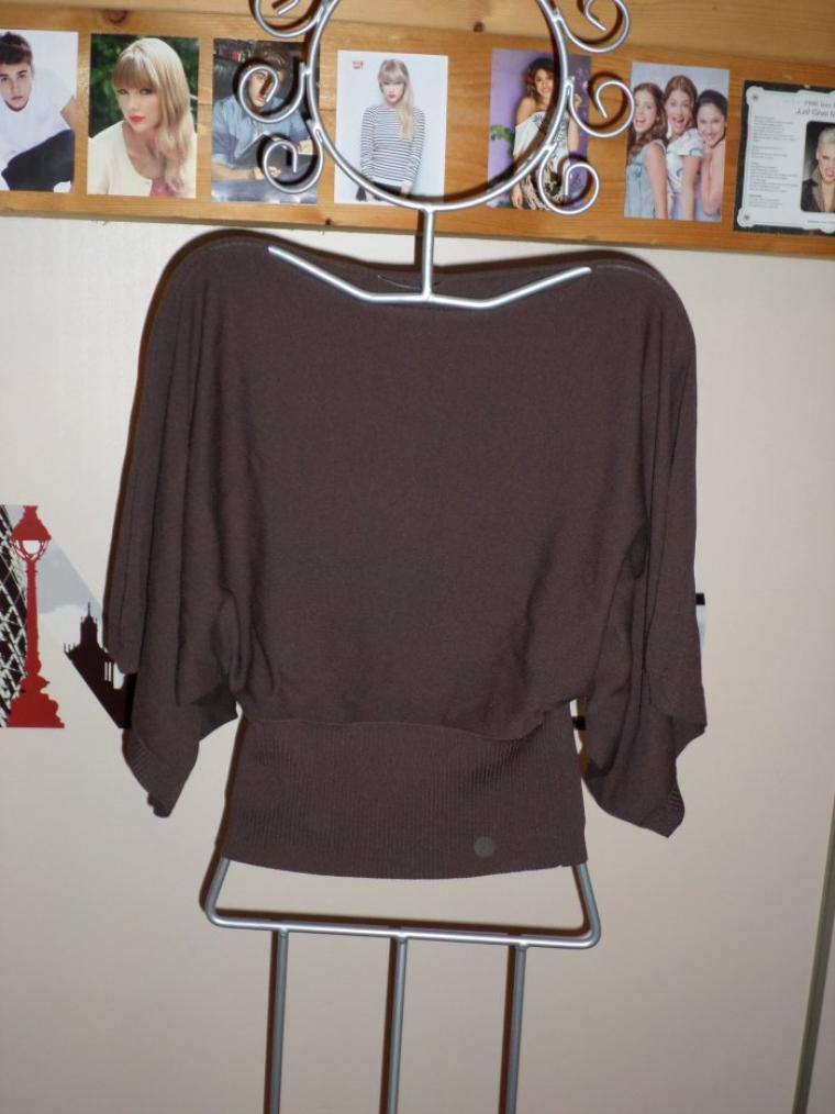 tee-shirt taille S ou M 5¤