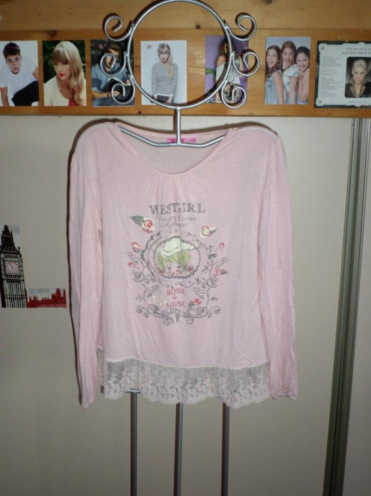 tee-shirt rose pale taille 14 ans 5¤