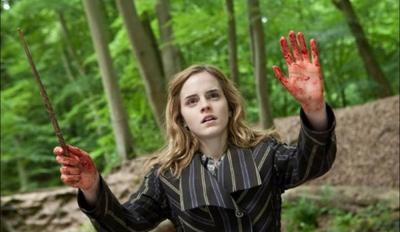 95. Emma Watson, dans 'La Belle et la Bête' (2017)