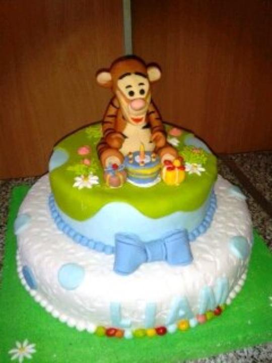 GÂTEAU FORME WEDDING CAKES
