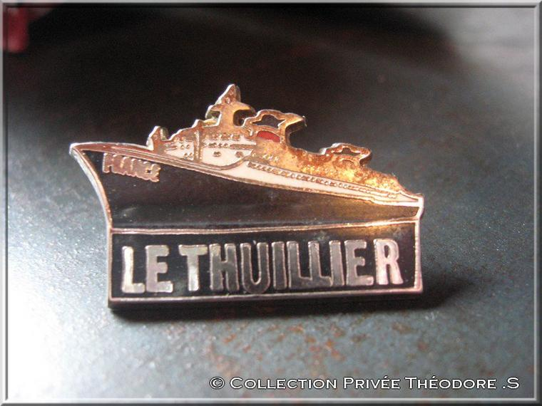 """pin's paquebot FRANCE """" LE THUILLIER """""""