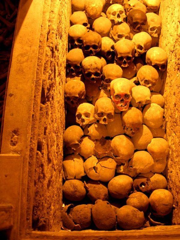 Dans Les Catacombes De Lenore62 .... (N°1)