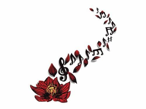 Petit tatouage fleur.