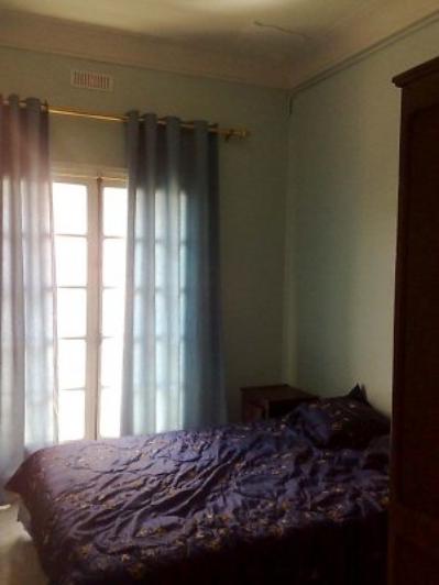 Chambre a coucher avec balcon vacances ain el turck for Chambre a coucher oran