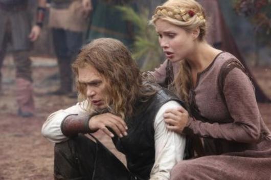 """Clichés de l'épisode 8 """"Ordinary People"""" avec Rebekah (Claire Holt), Elena (Nina Dobrev), Klaus (Joseph Morgan) et Alaric (Matt Davis)"""