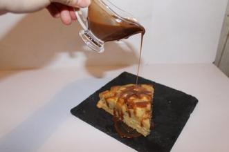 Gâteau aux pommes, sauce carambars