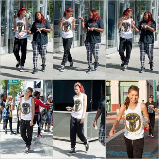 LE 19/04 - Demi a été vu arrivant à l'aéroport de LAX à Los Angeles pour prendre un avion en direction du Brésil, pour continuer sa tournée !!