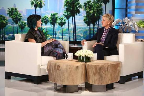LE 08/11 - Demi a été vu dans Los Angeles par des fans !