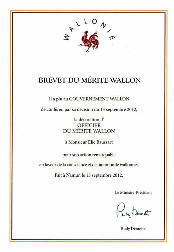 Elie Baussart, officier du Mérite wallon.