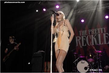 Taylor Momsen ~ Goin' Down.†
