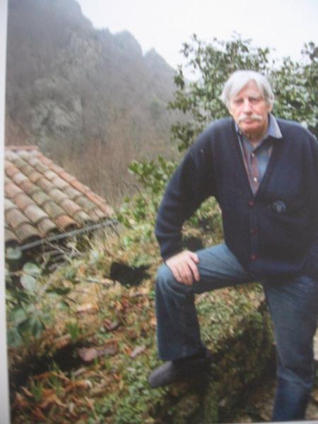 1999 jean ferrat dans sa propri t de bergnolles for Antraigues sur volane maison de jean ferrat