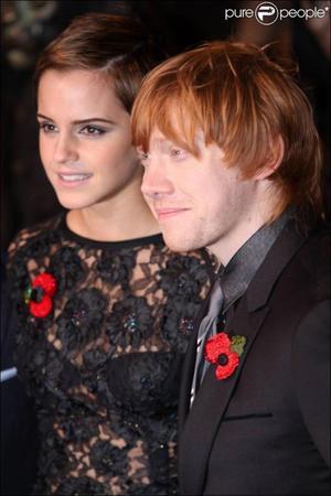 . ● Emma Watson et Rupert Grint, le couple qui rapporte le plus d'argent à Hollywood de 2011, juste devant Robert Pattinson et Kristen Steward !.