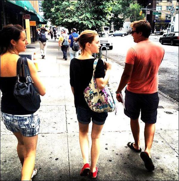 . 17/07/12 ➜ Emma a été vue dans les rue de New-York..