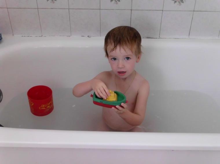 corentin dans son bain