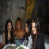 8 Avril. :.. Kim Kardashian & Khlσe Kardashian dînant avec des amies.