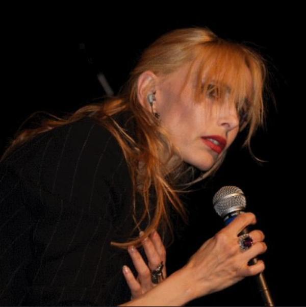 """En attendant l'OLYMPIA... - Jeanne interprète """"MIKE """" en live le 03 juin 2005 à ELOYES (88 - Vosges)"""