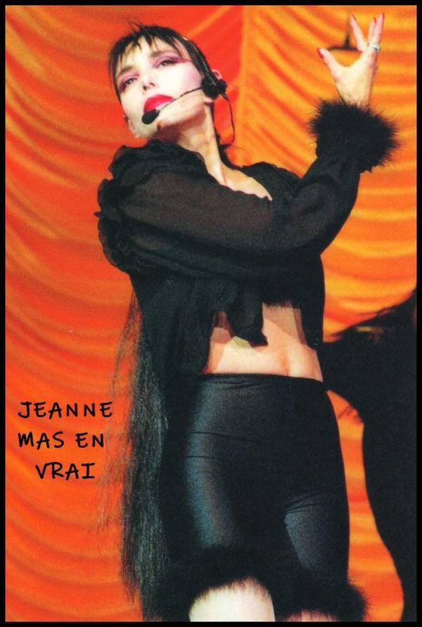 """1990 - 2020 - L'album """"L'art des femmes"""" a 30 ans ! - Le 23 novembre 1990, Jeanne est au théatre de l'empire pour l'émission de  Jacques Martin"""" Le monde est à vous"""""""
