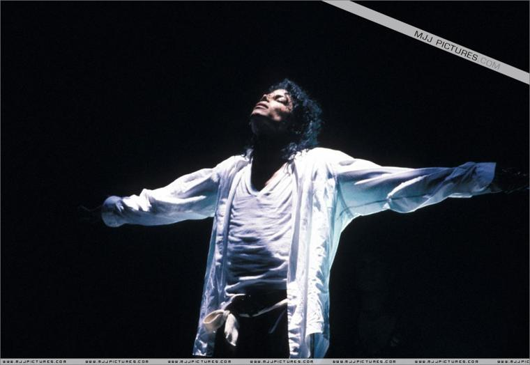 Man In The Mirror - Bad Tour