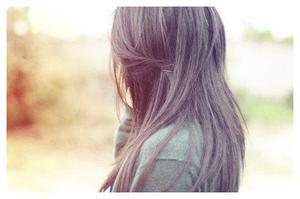 """"""" On atteint l'âge mure lorsque nos souvenirs prennent plus de place que nos rêves.. """""""